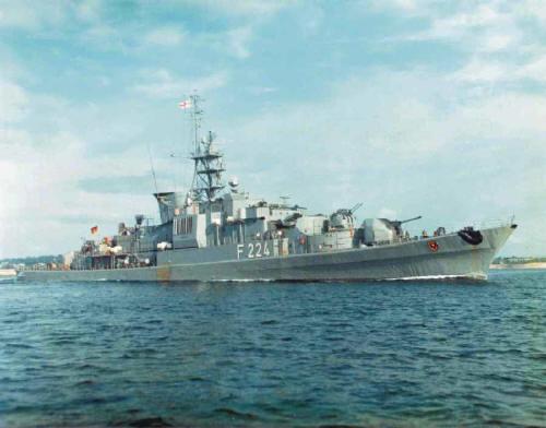 F-224-08.jpg